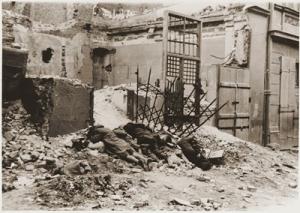 """-Nella foto: """"Banditi uccisi in battaglia"""" (didascalia originale)-"""
