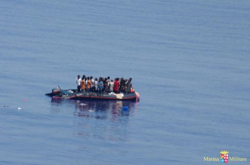 Immigrazione: sbarcati cinquantina migranti a Lampedusa